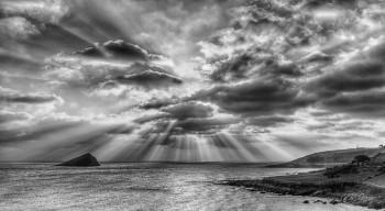 Mewstone Rays Panorama 16-7Raw best mono lines